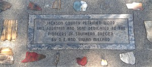 The dedication plaque at the fountain in Jackson County, Oregon.
